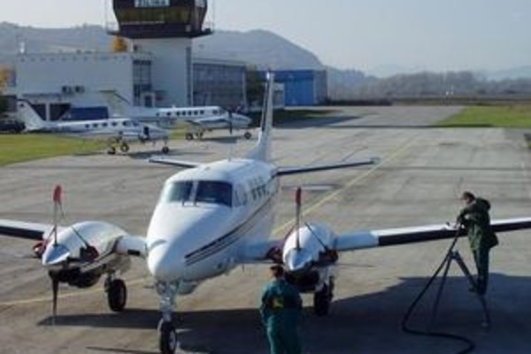 Lietadlá z letiska v Dolnom Hričove nelietali päť dní. Zavinil to výbuch sopky na Islande.