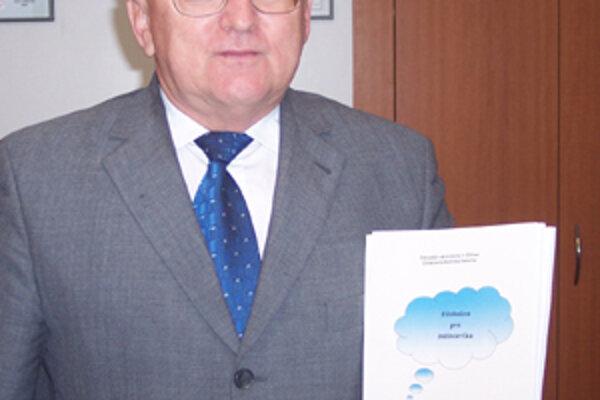 Otcom myšlienky a hlavným organizátorom Detskej univerzity je Ján Michalík, dekan Elektrotechnickej fakulty Žilinskej univerzity.