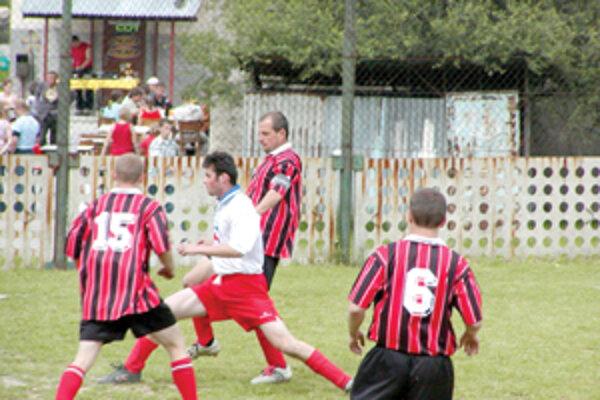 Futbalisti nižších súťaží potrebujú na svoju činnosť takisto financie a nie málo. Ich výška záleží od druhu súťaže a ďalších faktorov.