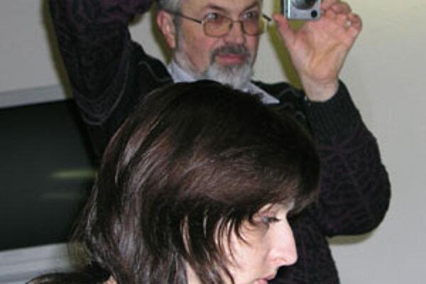 Oslovení fotografi sa od júna 2006 schádzali na pravidelných mesačných stretnutiach, kde si postupne zjednotili organizačné a kvalitatívne základy projektu.