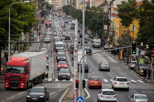 Šancová ulica patrí medzi najrušnejšie v meste.