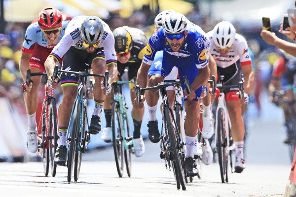 Rýchlejší ako Peter Sagan bol v úvodnej etape len Fernando Gaviria.