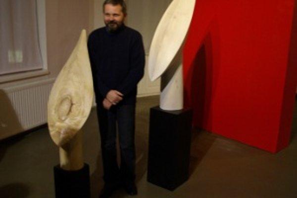 Jozef Mundier vystavuje v Považskej galérii umenia v Žiline.