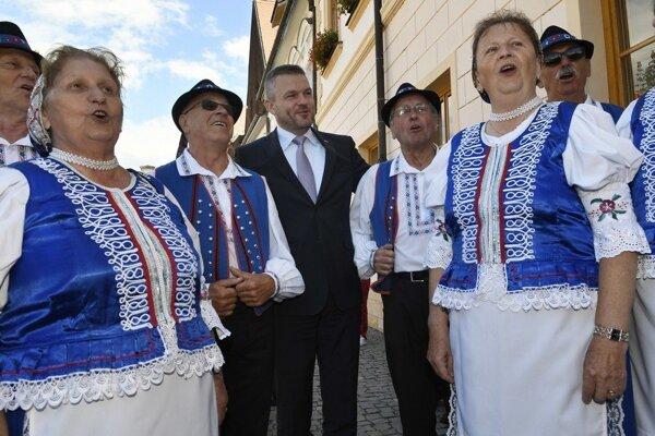 V premiérovi Petrovi Pellegrinim zo Smeru vidia viacerí zvoliteľného kandidáta do druhého kola prezidentských volieb.