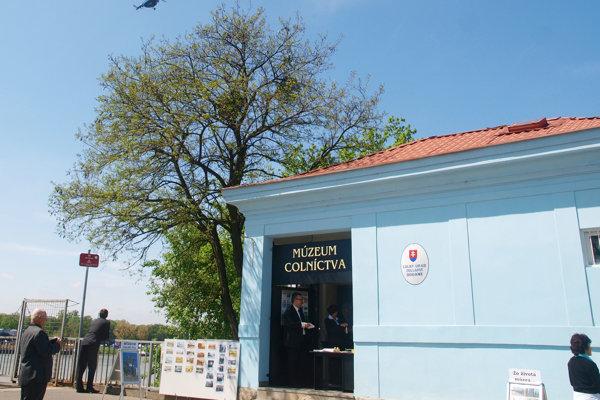 V mýtnom domčeku kedysi fungovalo Múzeum colníctva.