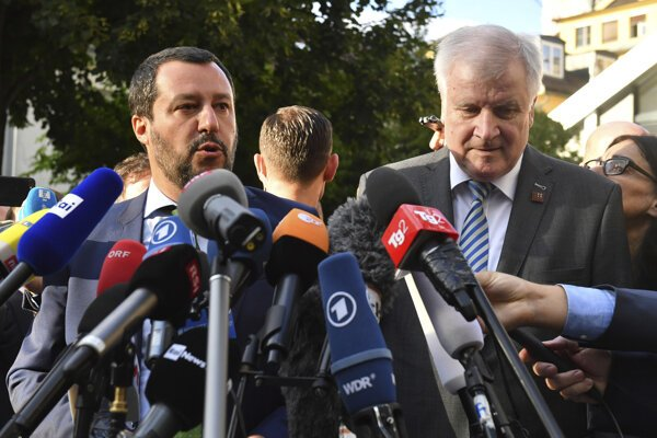 Matteo Salvini (vľavo) a Horst Seehofer.