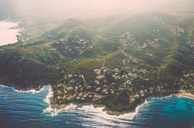 Pohľad na zelenú Korziku