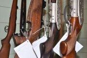Zbraňová amnestia zapĺňa policajné sklady.