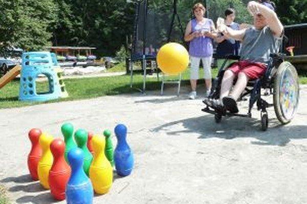 Peniaze využijú aj telesne postihnutí na zorganizovanie športového dňa.