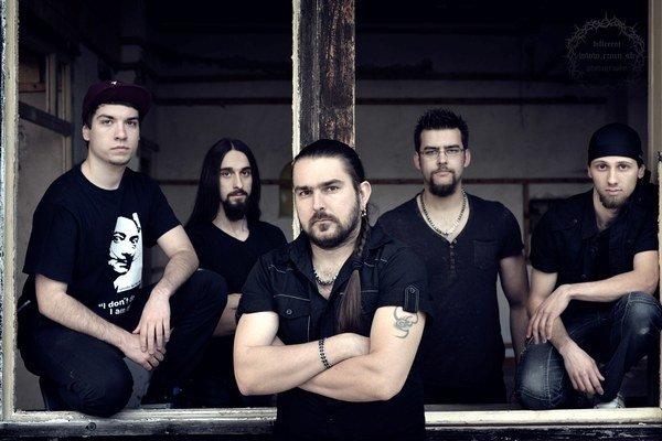 Na festivale predstaví skupina Caliber X svoje druhé cédečko Stroj času.