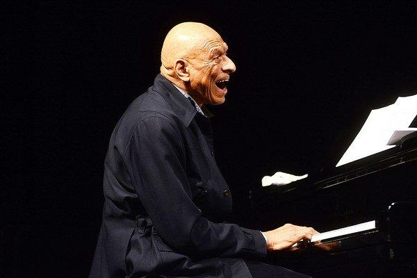 Kirk Lightsey patrí do Top 100 žijúcich i nežijúcich klaviristov z celého sveta.