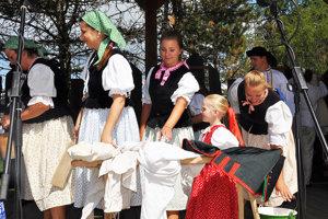Na slávnostiach sa predstavila veľa súborov a folklórnych skupín.