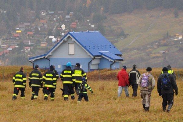 Zajtrajšia pátracia akcia začína o deviatej ráno pri vodojeme medzi Trstenou a Brezovicou.