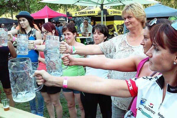 Gäceľský krígeľ každý rok priláka na Gäceľ pri Dolnom Kubíne stovky milovníkov zlatého moku.