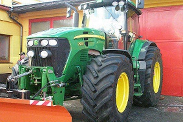 Technické služby považujú traktor za nevyhnutnosť.