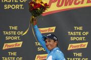 Nairo Quintana oslavuje víťazstvo v 17. etape na Tour de France 2018.
