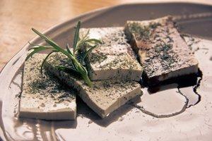 Vápnik možno získať aj z tofu.