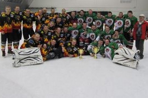 Finalisti oravskej hokejovej súťaže.