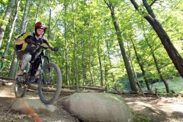 Cyklisti budú mať do konca roka k dispozícii novú cyklotrasu na hornej Orave.
