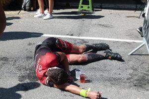 Preteky mu dali poriadne zabrať a prvé minúty v cieli musel poriadne predýchať.