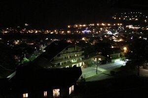 Nočné mestečko Morzine.