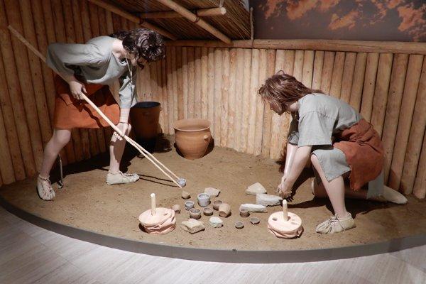 Nová archeologická expozícia Svet dávnych vekov predstavuje návštevníkom život ľudí v minulosti.