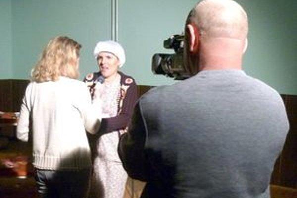 Miestne médiá vyspovedali Annu v Kysáči hneď po predstavení.