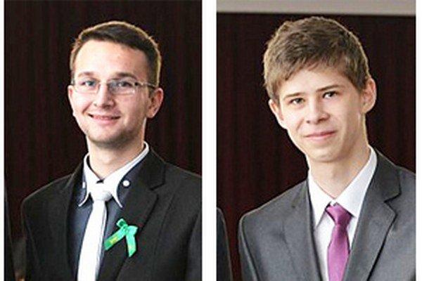 Ocenení študenti Tomáš Tvarožek (vľavo) a Samuel Sládek (vpravo).