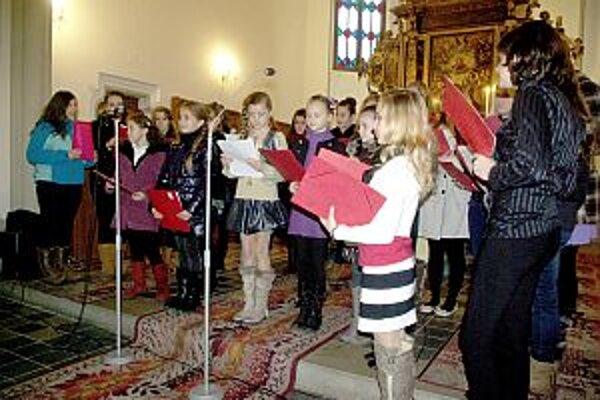 Predstavil sa aj detský spevácky zbor zo ZUŠ.