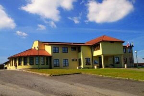 Súčasťou Obecného úradu vo Vavrečke je kultúrna sála.