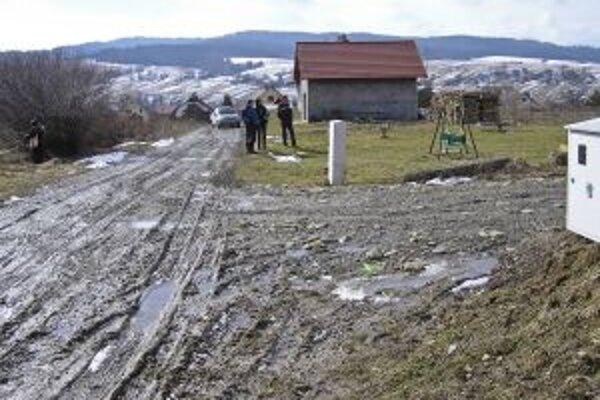 Nová ulica Poľná. Návrh vrátane jej rozšírenia rieši stavebná komisia obecného zastupiteľstva.