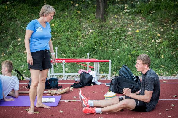 Ján Volko s trénerkou Naďou Bendovou.