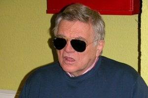 Herec Stano Dančiak dlhé roky vinil z oslepnutia očného chirurga Milana Izáka z Banskej Bystrice.