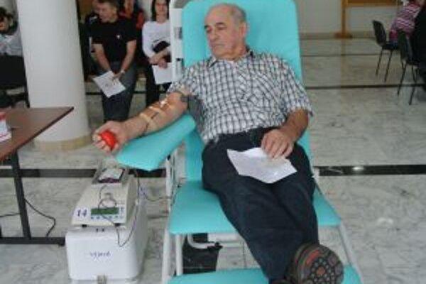 Najstarším darcom bol 64-ročný Serafín Žatkuliak.
