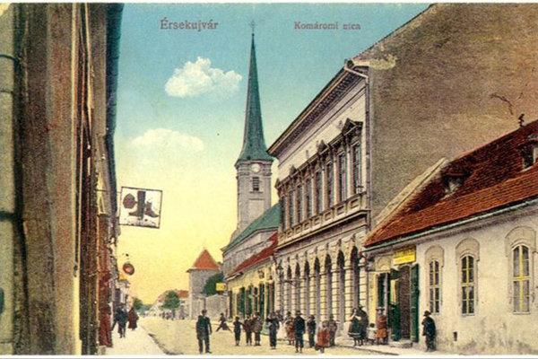Protižidovské násilnosti sa odohrávali aj na Komárňanskej ulici.