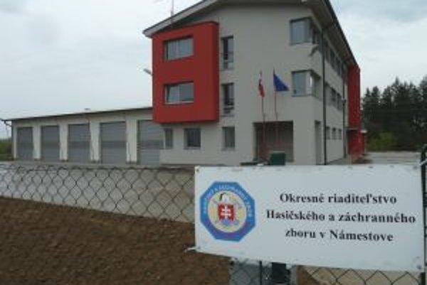 Nová hasičská stanica spĺňa všetky požiadavky hasičov.