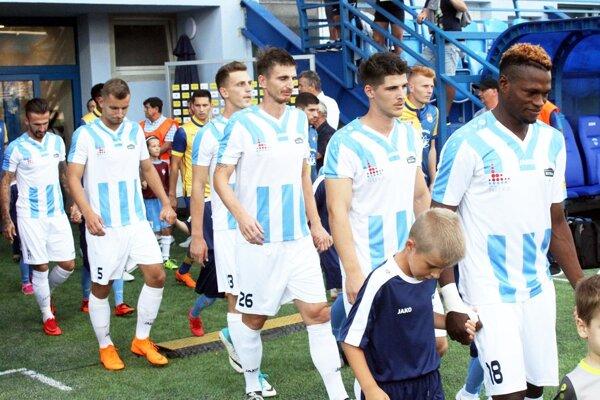 Na futbalistov (a fanúšikov) Nitry sa tešia v stredu v Šuranoch.