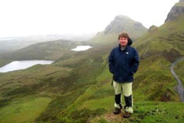 V kopcovitej krajine na ostrove Skye.