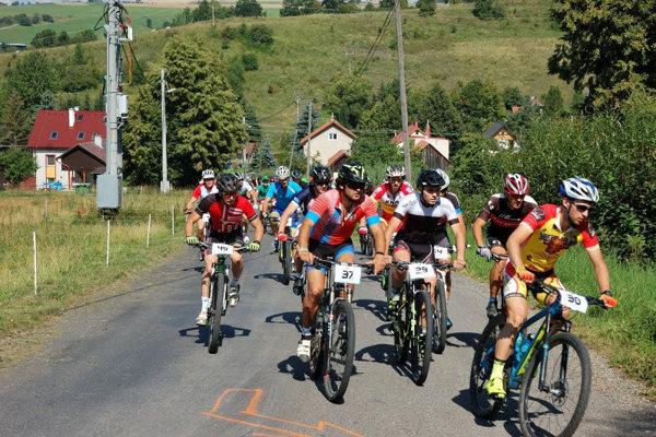 Počas dvoch pretekov šliapali do pedálov dve stovky ľudí.