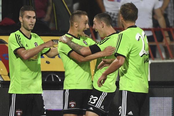 Futbalisti Trnavy expresne odpovedali na úvodný gól Crvenej zvezdy z penalty.