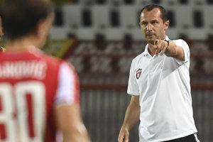 Tréner FC Spartak Trnava Radoslav Látal počas zápasu.