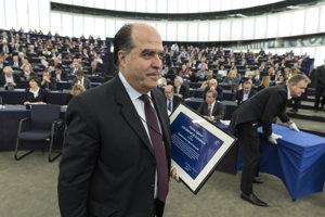 Opozičný líder Julio Borges.