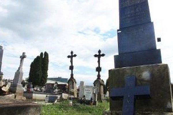 Mesto chce zachovať staré hroby.