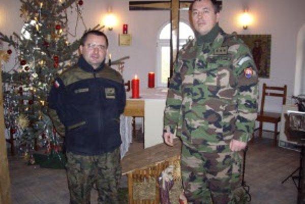 Stanislav Kanik (vpravo) spolu s ruským duchovným.