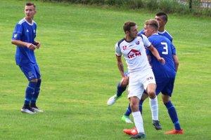 Totkovič (v bielom) rozhodol o postupe Zvolena dvoma gólmi.