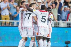 Trenčín oslavuje gól v sieti Feyenoordu.