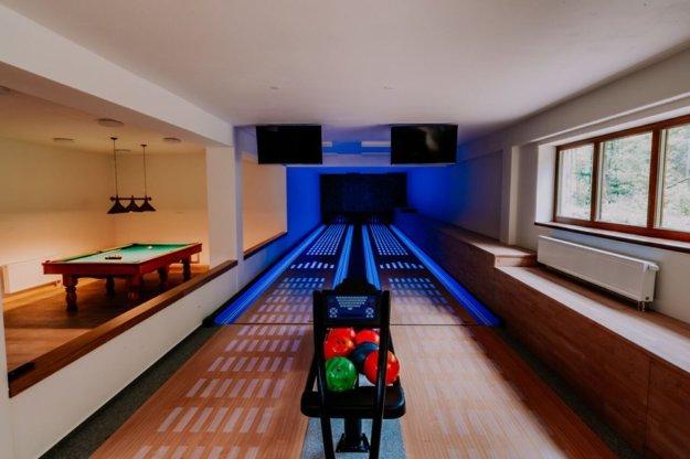 Pri bowlingu či biliarde budete mať súkromie.