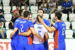 Slovenskí volejbalisti sa tešili z víťazstva.