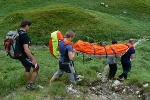 Českej turistke záchranári pomôcť nedokázali. Bola na mieste mŕtva.