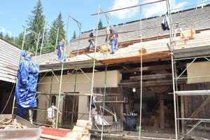 Mangeľ bola modernejšia, dreveno-murovaná stavba. Aj ona potrebovala nové prekrytie.
